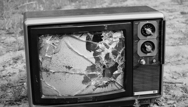 broken-tv-640x425